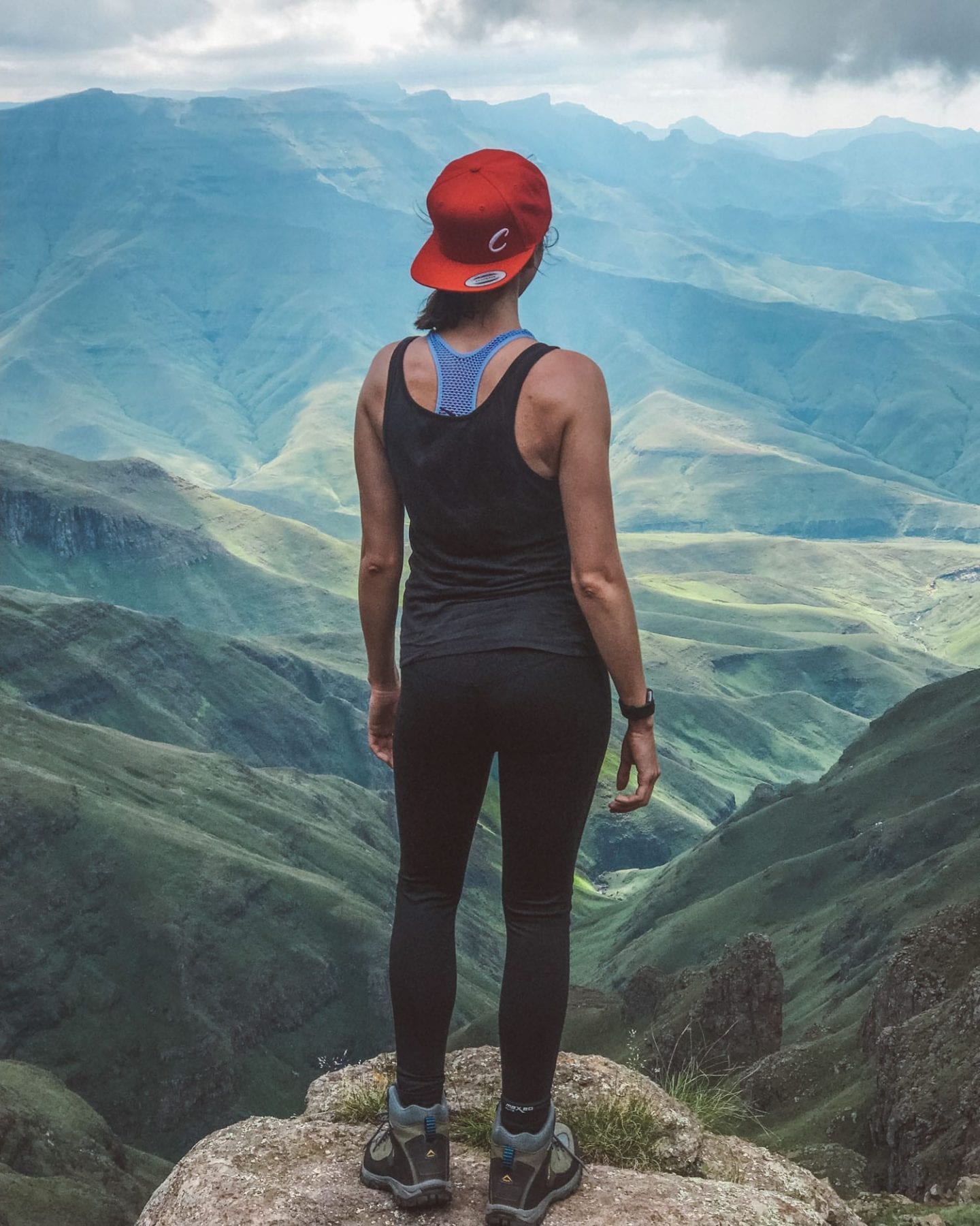 girl hiking in the drakensberg