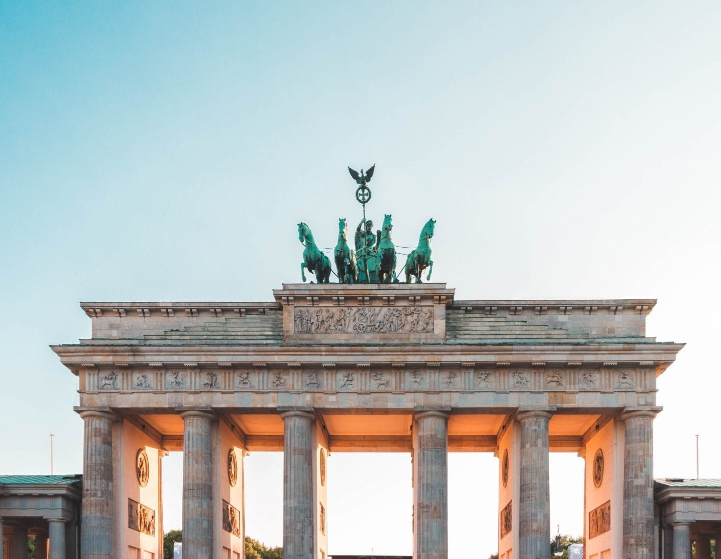 How To Travel Europe on a Budget: A Complete Guide | Wanderlust Movement | #budgettravel #europe #traveltips #eurotrip #europeonabudget